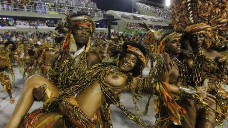 BEIJA-FLOR-carnaval-Rio-Janeiro-AFP_CLAIMA20120220_0096_22