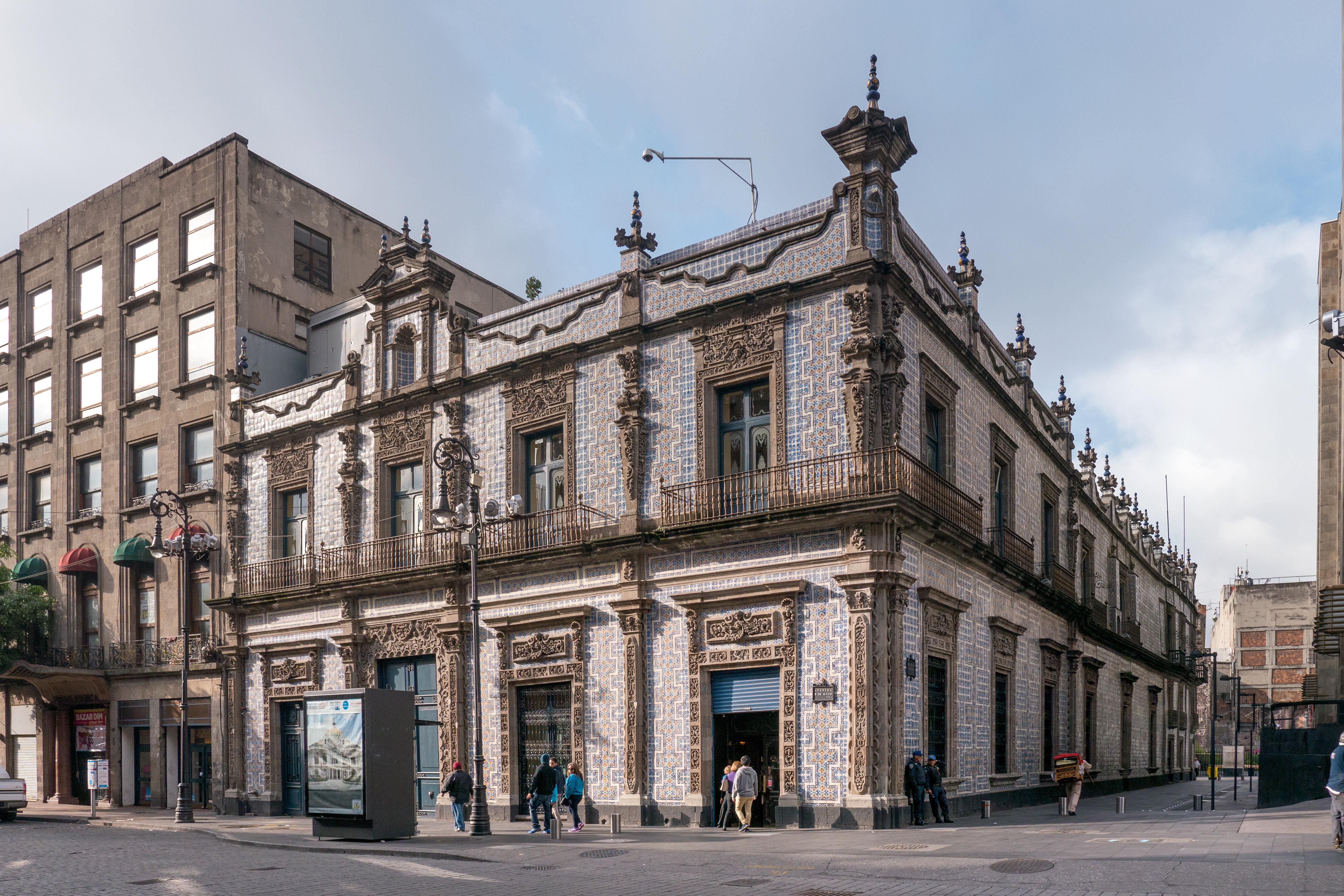 Casa De Los Azulejos Zona Libre Radio 1