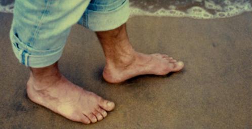 hombre-descalzo
