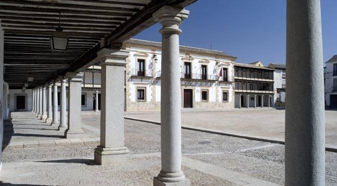 plaza_mayor_ayuntamiento_tembleque_t4500640.jpg_1306973099