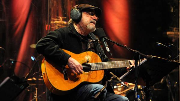 cantautor-nueva-trova-sigue-guitarra_claima20161129_0045_28